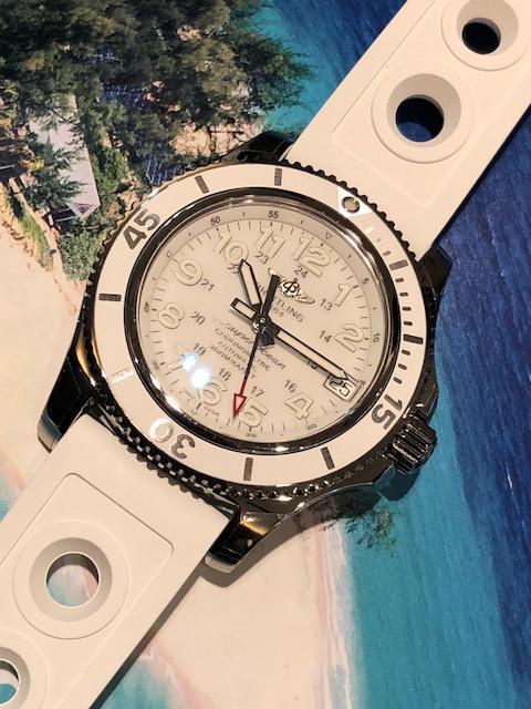 quality design b1458 6d6fa KAMINEスタッフブログ | ブライトリング ホワイトが基調の限定 ...